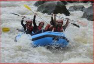gambar arung jeram progo rafting